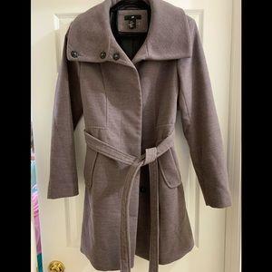 H&M coat, NWOT, women's size 10, tie belt waist